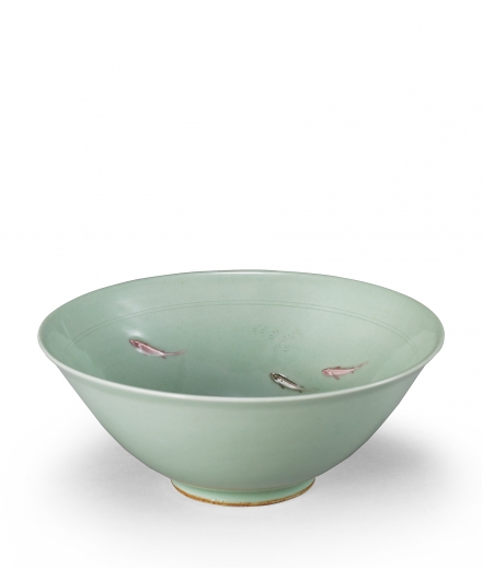 A CELADON GLAZED 'RED SNAPPER' BOWL