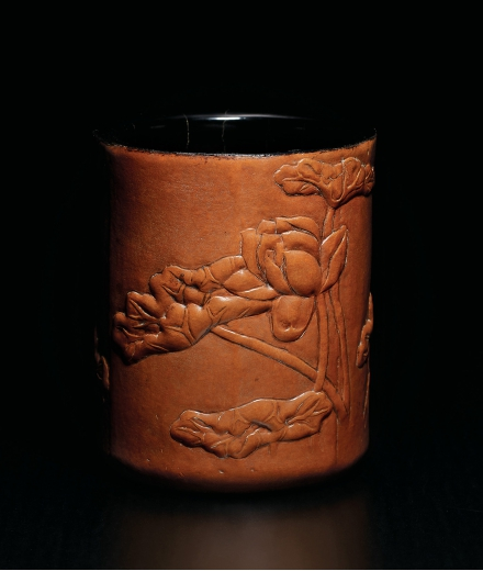 A FINE AND RARE CARVED GOURD 'LOTUS' BRUSHPOT