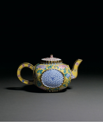 A VERY RARE AND SUPERB BRONZE PAINTED ENAMEL 'CHRYSANTHEMUM' TEAPOT AND COVER